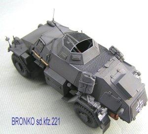 bronko sdkfz221_s.jpg